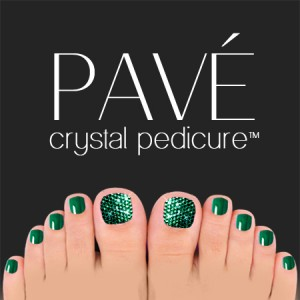 Pavé-Crystal-Pedicure-Emerald